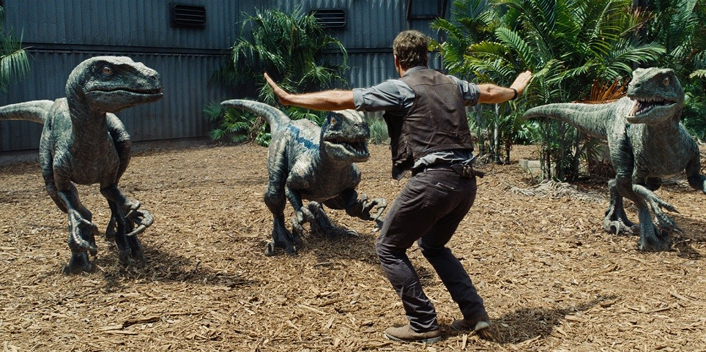 jurassic-world-raptors-chris-pratt